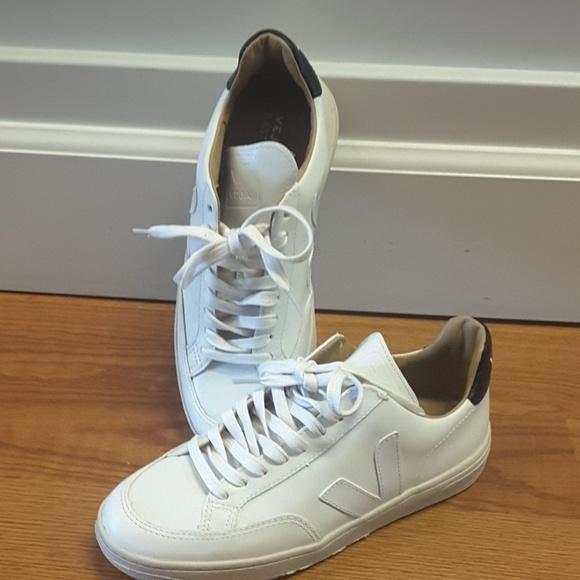 cc7474f5b1 VEJA v-12 Bastille leather extra white